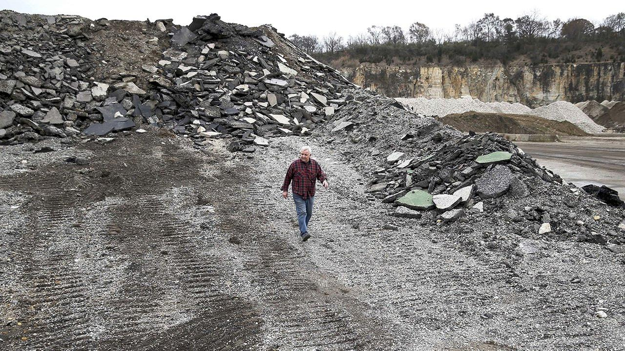 4 in 5 Illinois debris sites high in toxins
