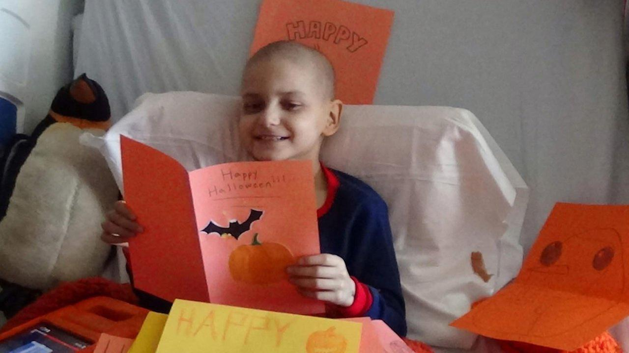 Boy whose wish for Christmas cards went viral dies