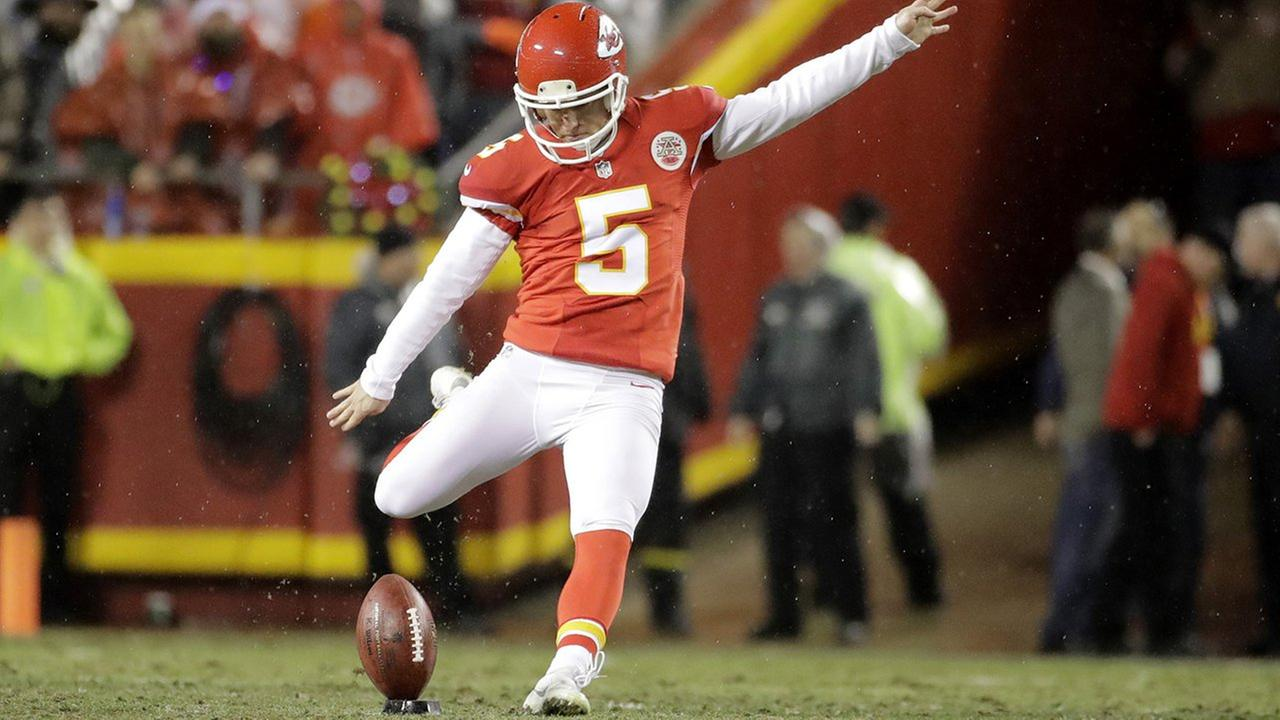 Bears Sign Cairo Santos as New Kicker