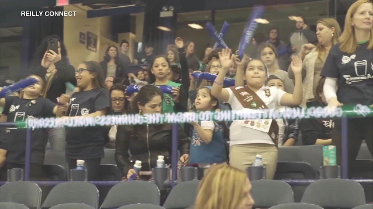Girl Scouts from across the Chicago area gathered at the Allstate Arena this weekend to set a record for the most cookies dunked into milk at the same time.