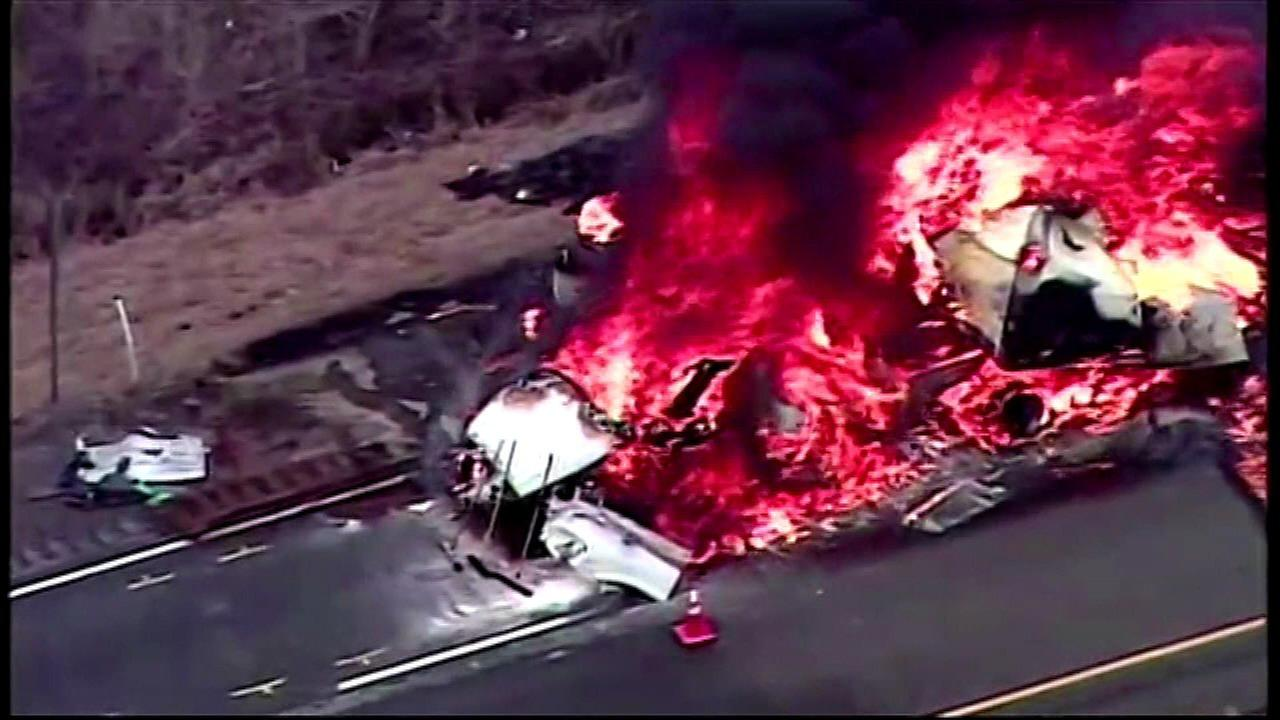 Authorities let fire burn out after 3 semis crash on Indiana I-65