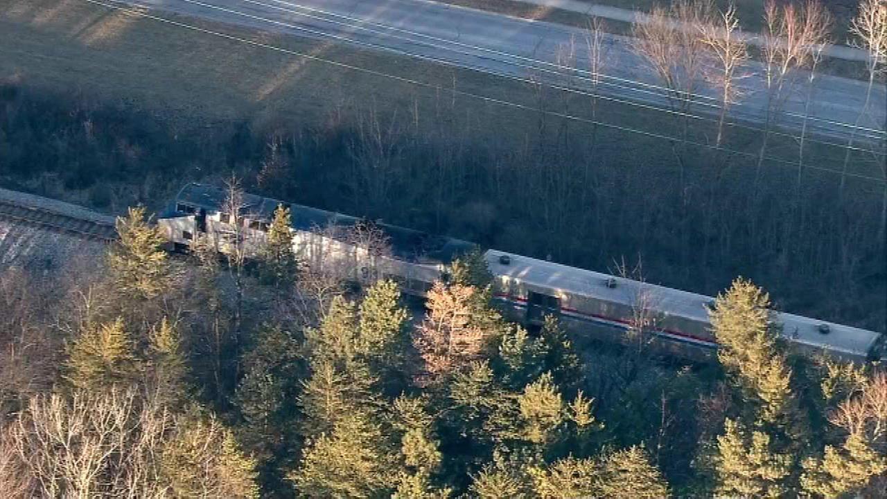 1 injured when train strikes car in Dyer