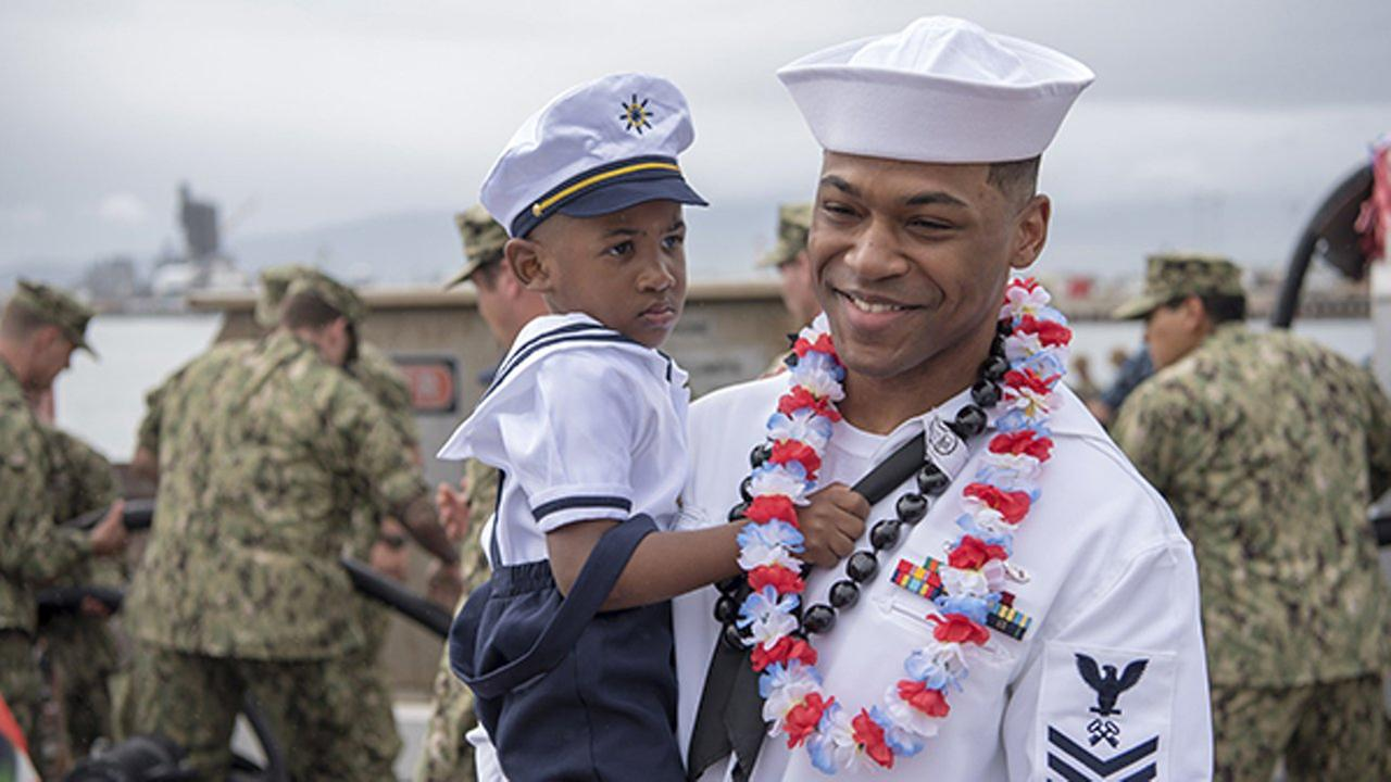 Chicago sailor reunites with son following deployment