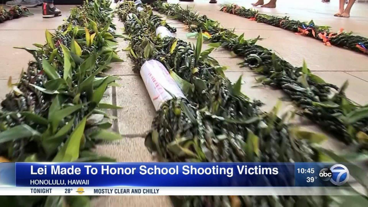 1,000 Hawaii students and teachers wove a 3-mile-long lei in honor of the Florida school shooting victims.