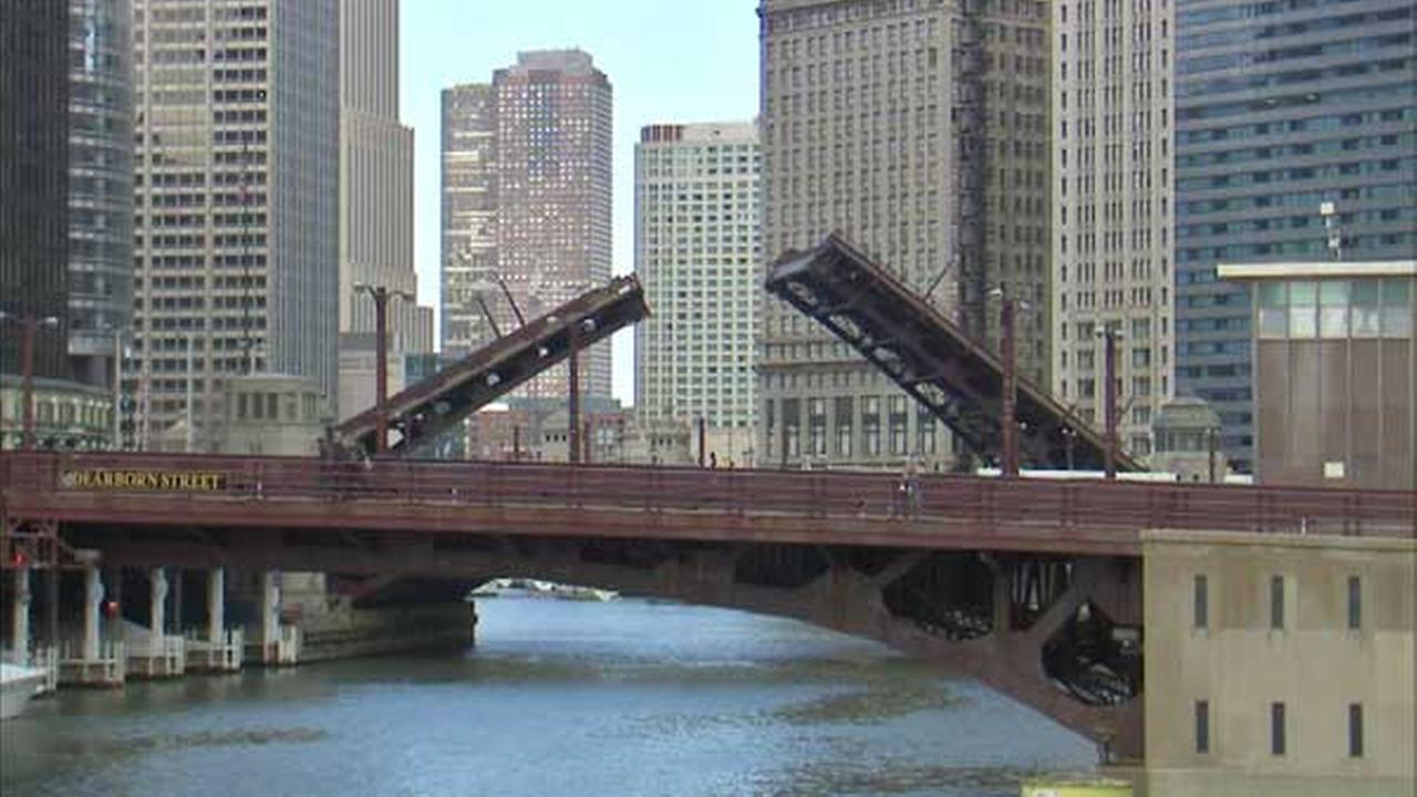 Chicago River bridge lifts begin today