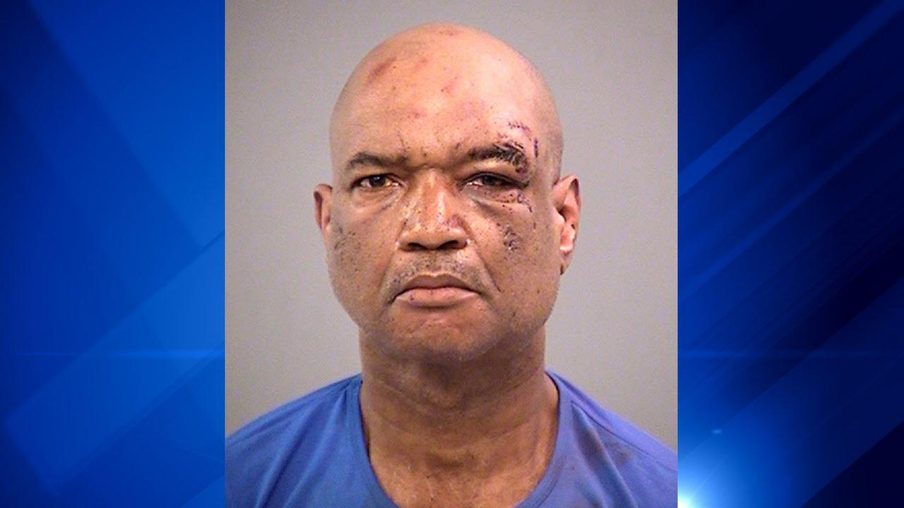Four damage after knife-wielding man assaults Indianapolis crowd