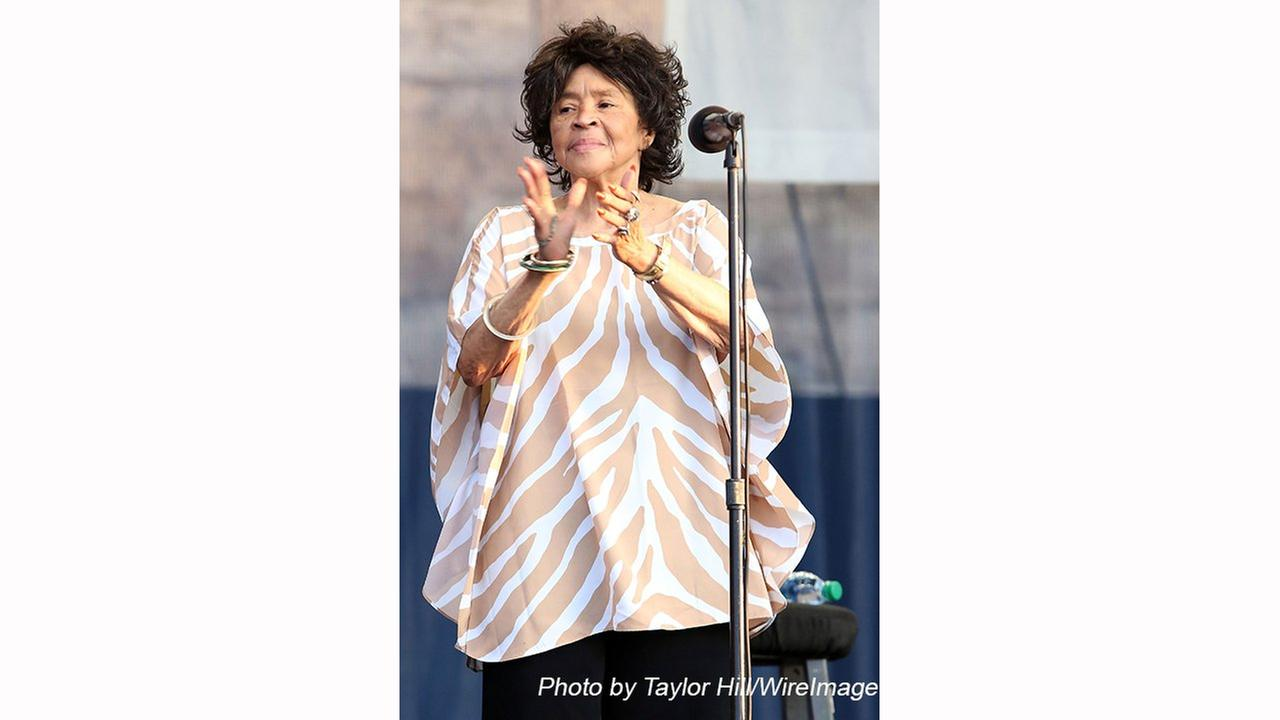 Yvonne Staples Voice of The Staple Singers ... Dead at 80