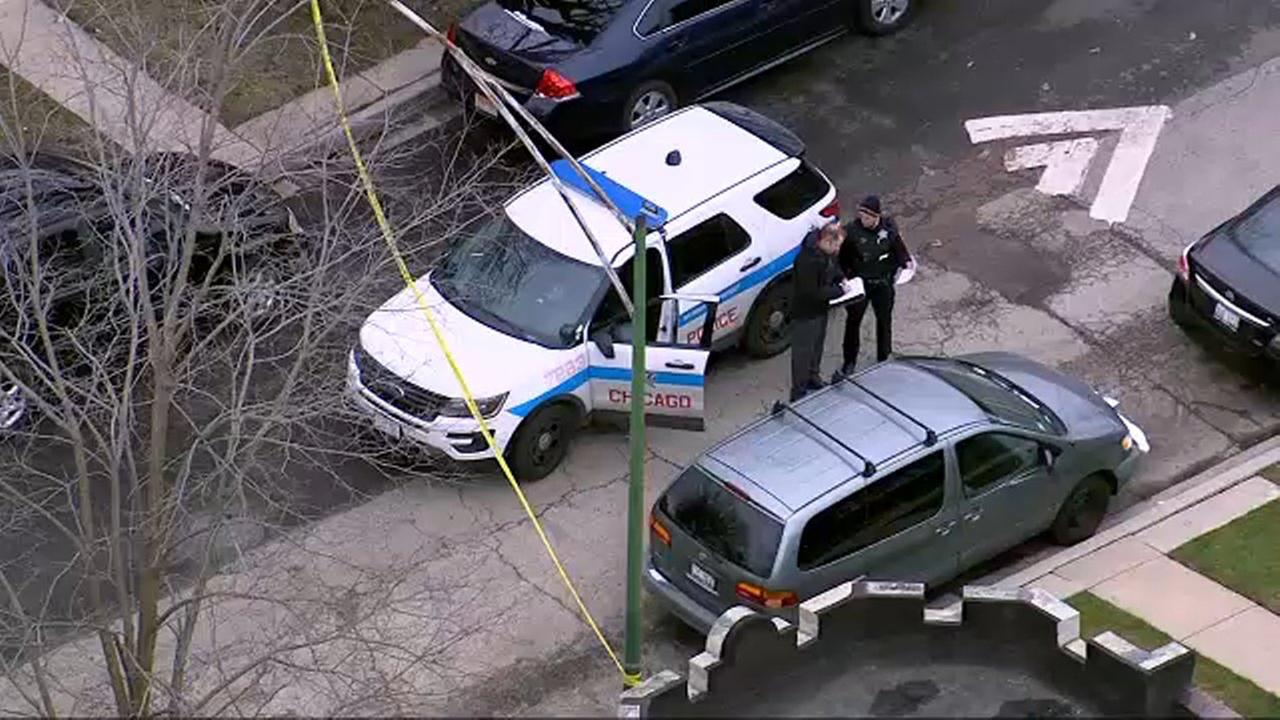 Man critically injured in Cragin drive-by shooting