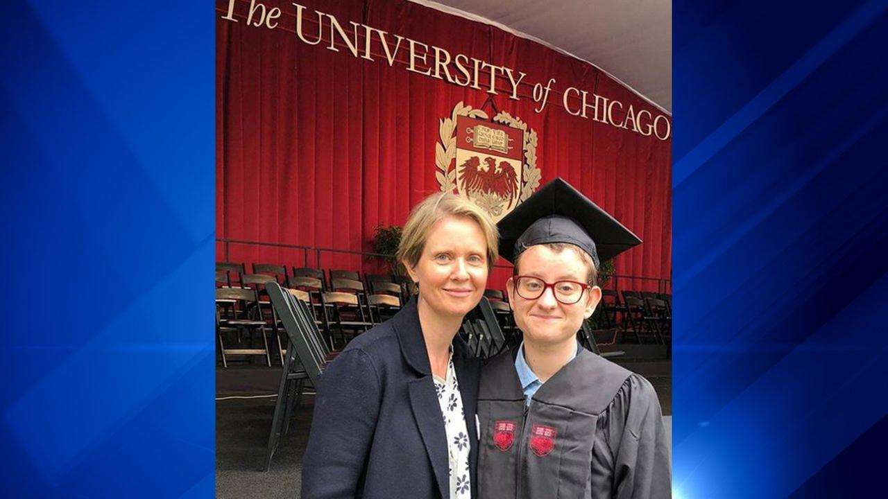 Cynthia Nixon says son, a U of C grad, has come out as transgender