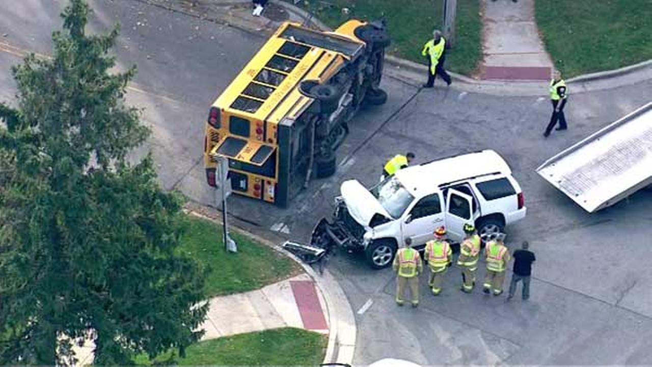 photos school bus crashes in willowbrook abc7chicagocom
