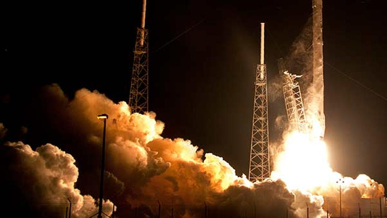 The Falcon 9 SpaceX rocket lifts off from Space Launch Complex 40 at the Cape Canaveral Air Force Station in Cape Canaveral, Fla.