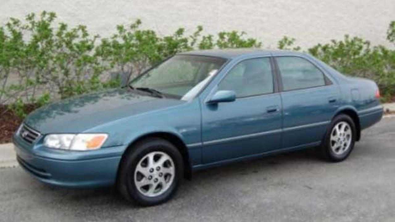 Police said a Blue Green Pearl Metallic 2000 or 2001 Toyota Camry was involved in a Belmont Heights hit-and-run crash.