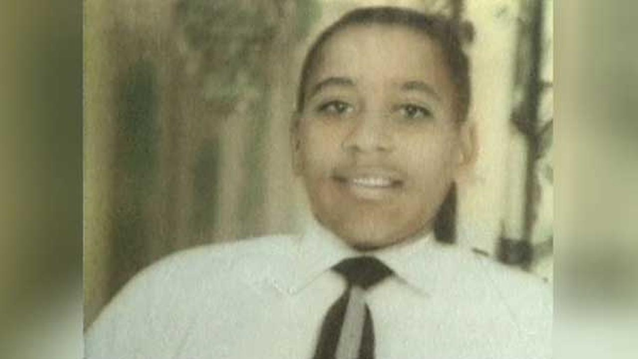 Sixty years after a black Chicago teenager was killed for whistling at a white woman in Mississippi, relatives and civil rights activists are remembering Emmett Till.