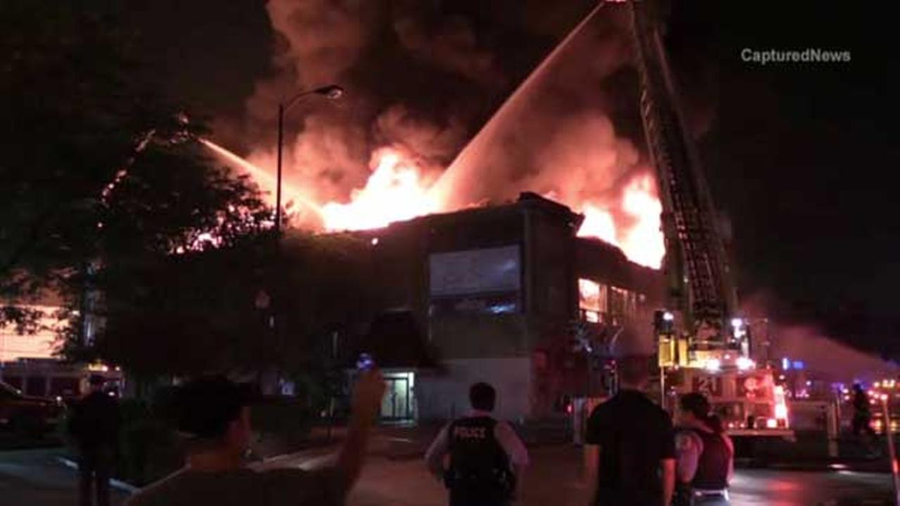 Fire ripped through Lincoln Square Lanes overnight. It was one of Chicagos oldest bowling alleys.