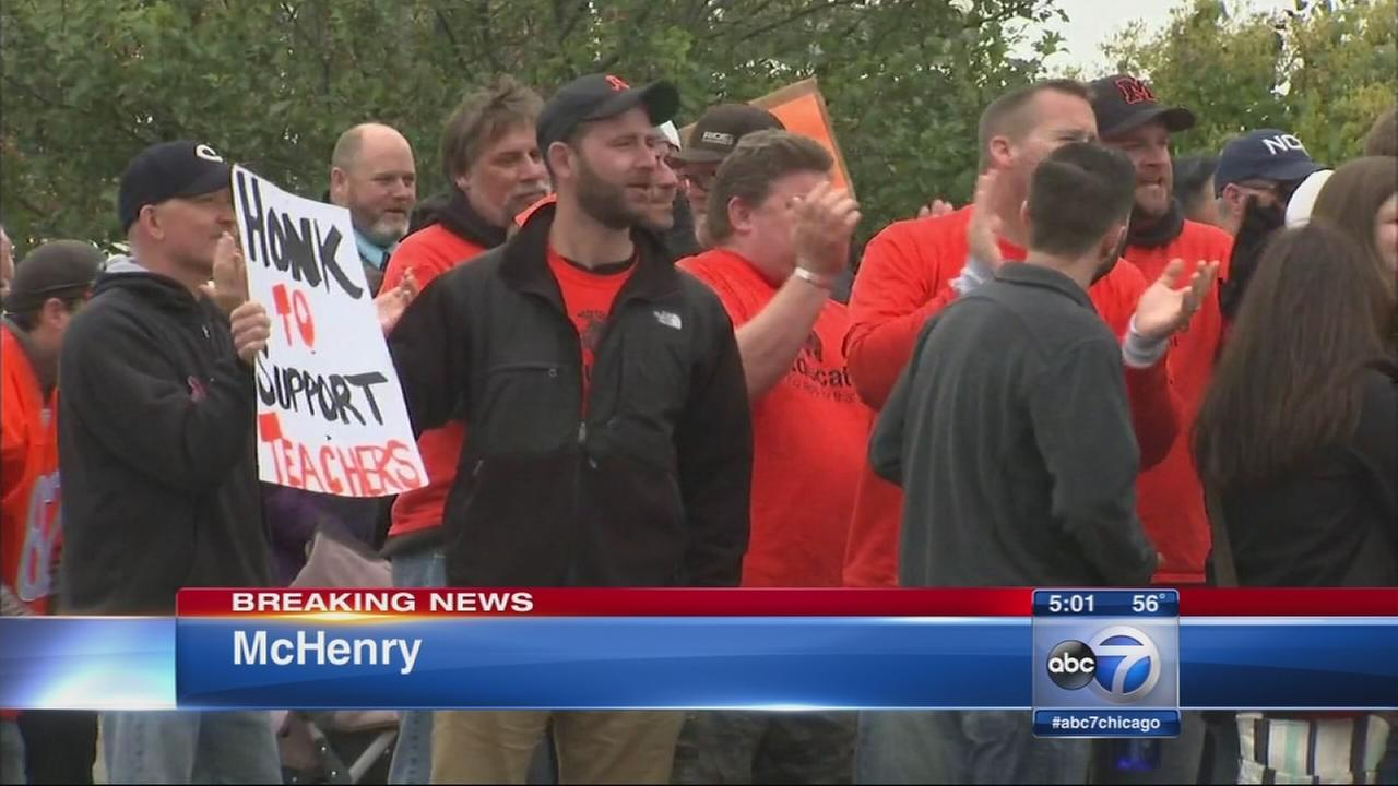 McHenry teachers bargaining session hoping to end strike