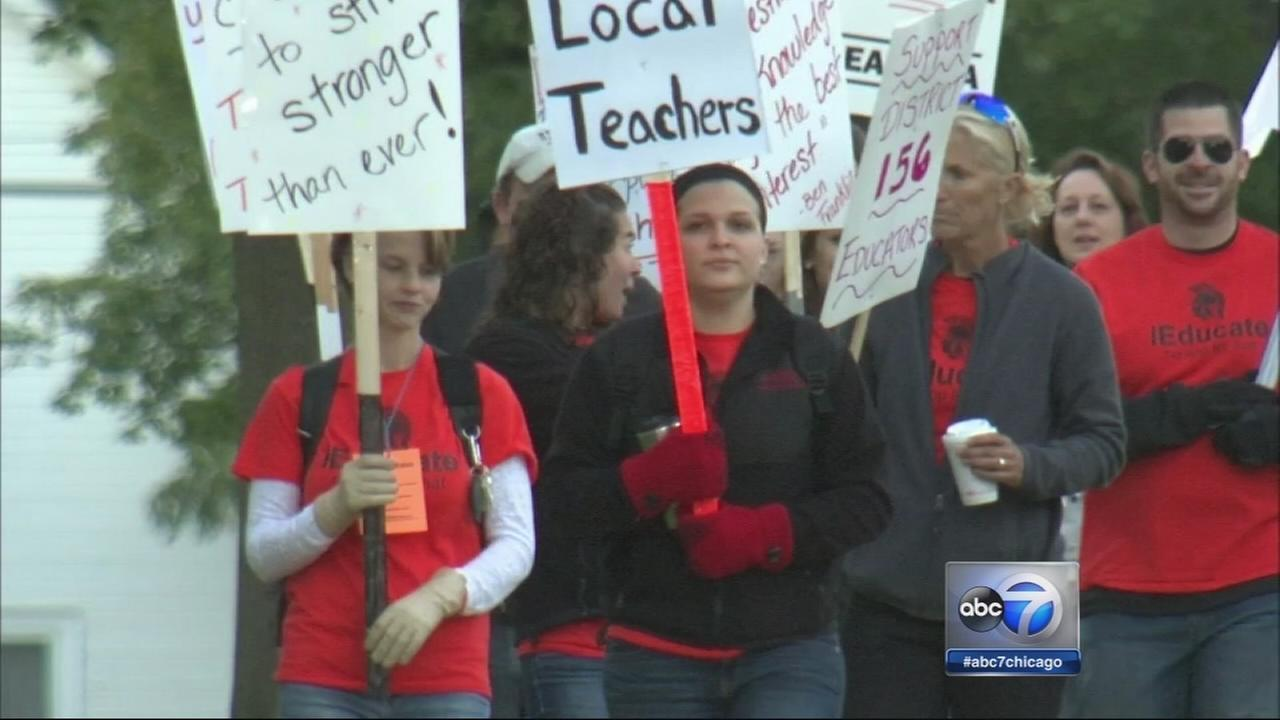 McHenry teachers strike continues