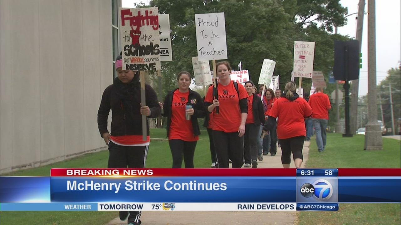 No deal in McHenry strike continues in District 156