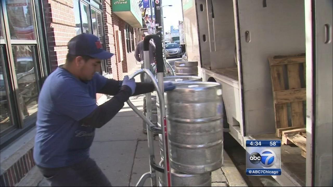 Wrigleyville bars stock up for crowds