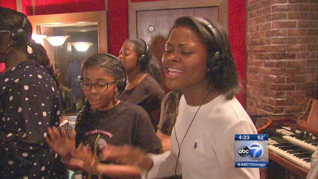 Chicago gospel choir takes on bullying