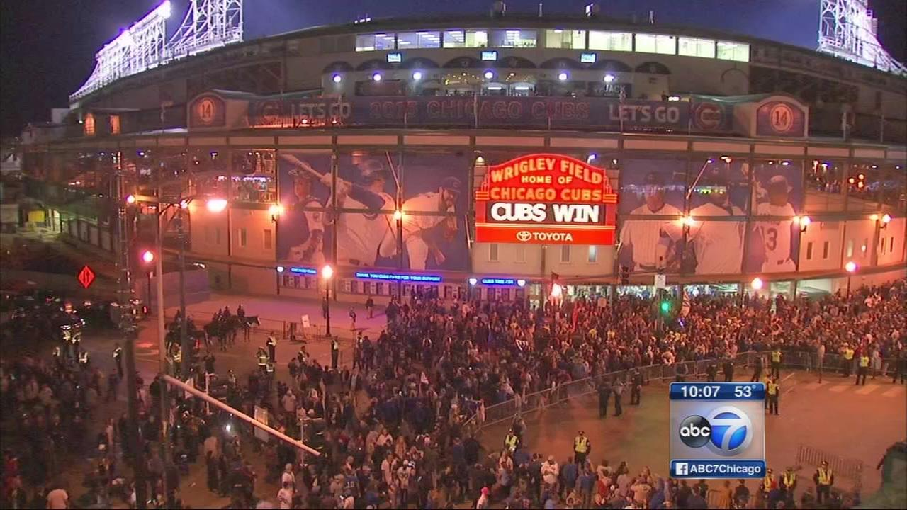 Cubs, fans celebrate historic win