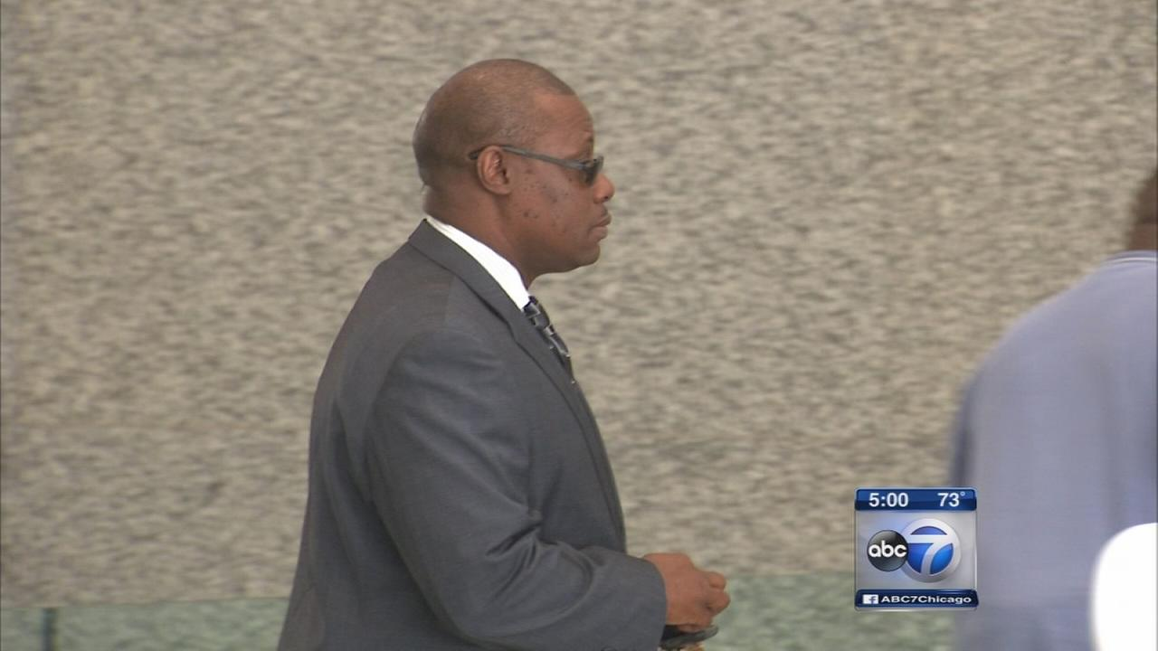 Jury deliberates in Rep. Derrick Smith bribery trial