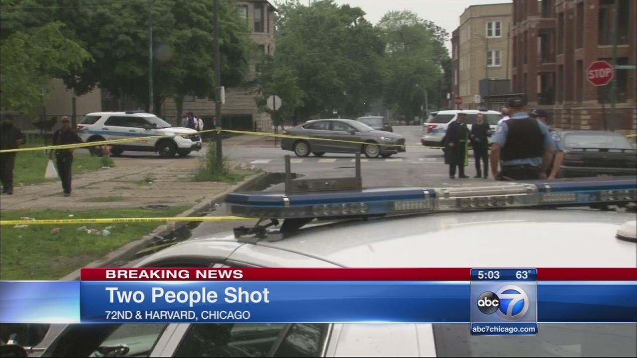 Man, young child shot on South Side