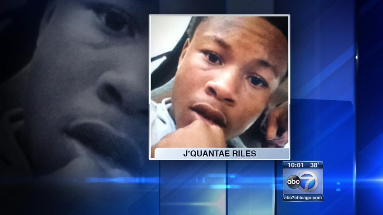 14-year-old fatally shot while walking in Englewood, police say