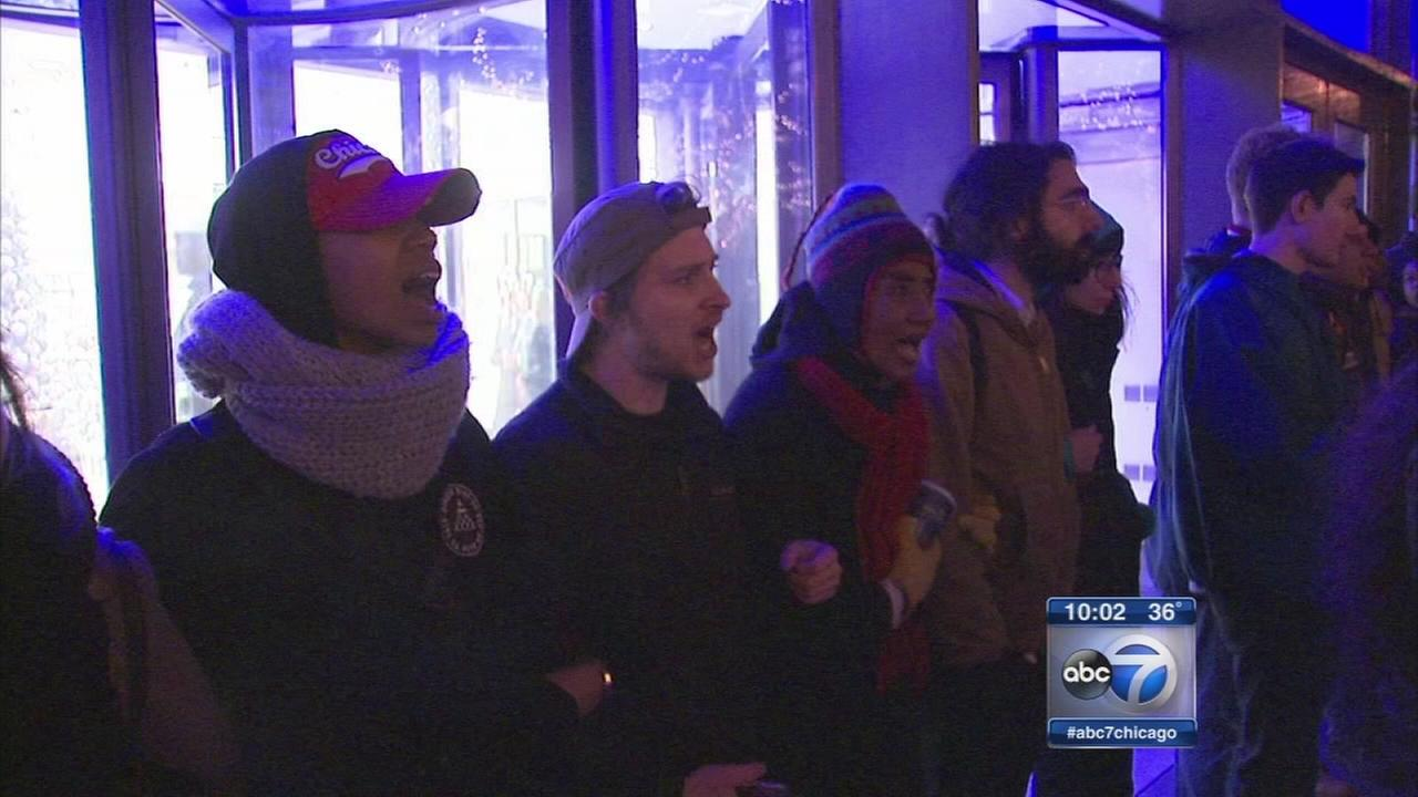 Protests continue on Magnificent Mile