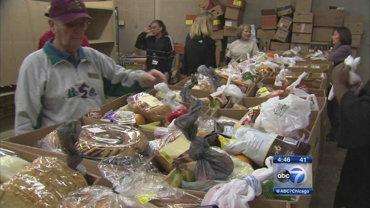Aurora food pantry serves family at holidays and year round