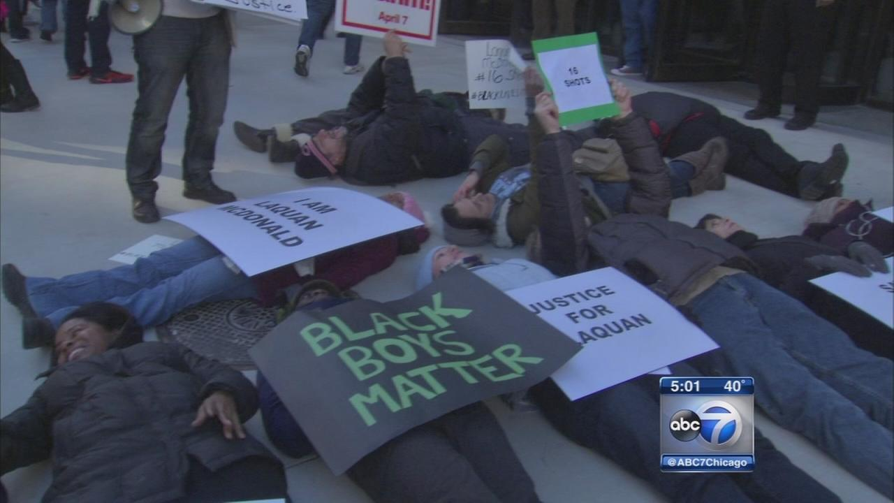 Protests continue after release of Laquan McDonald Police reports