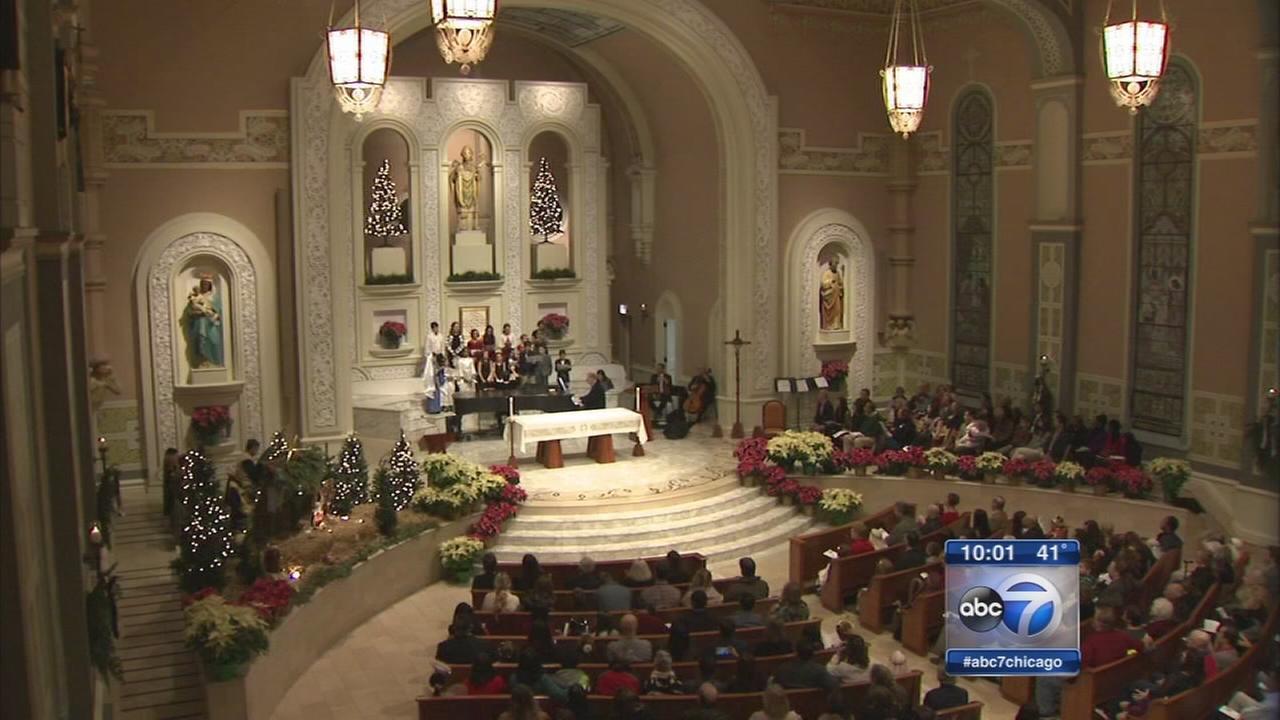 Chicago prepares to celebrate Christmas