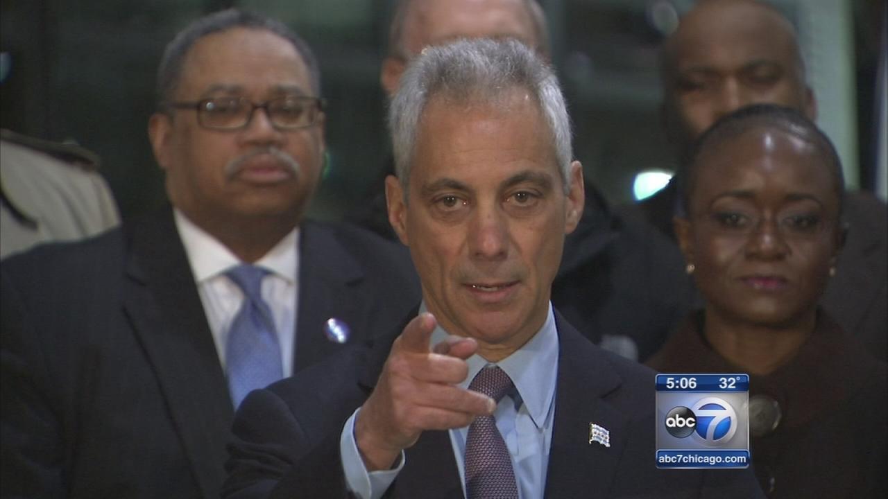 Mayor defends law team leader
