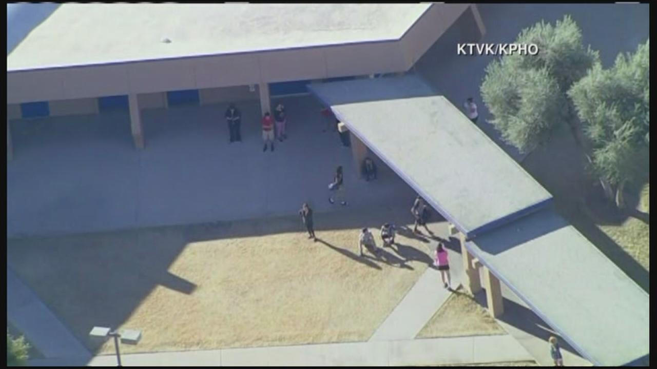2 teens shot at Glendale, AZ high school