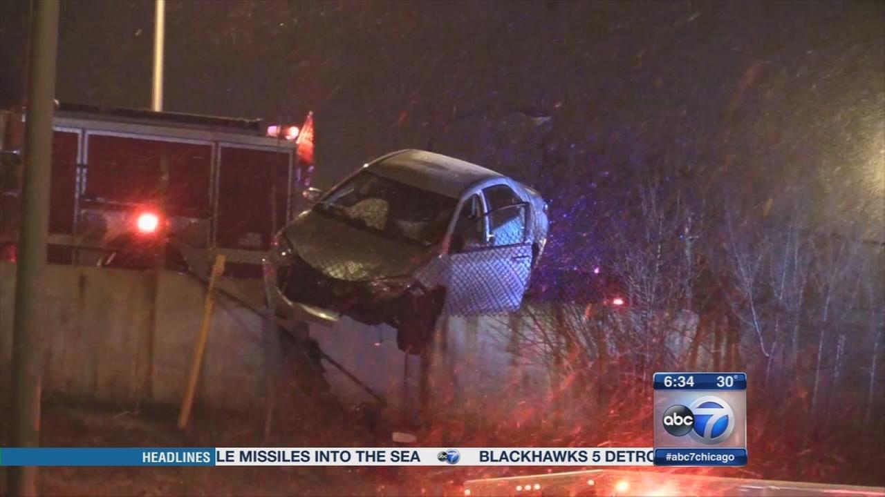 Driver shot in Morgan Park; car left hanging over I-57