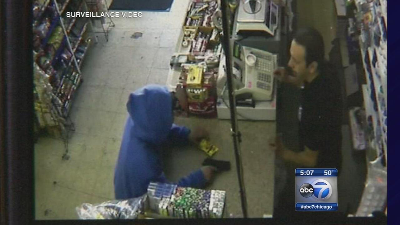Clerk foils robbery in Des Plaines