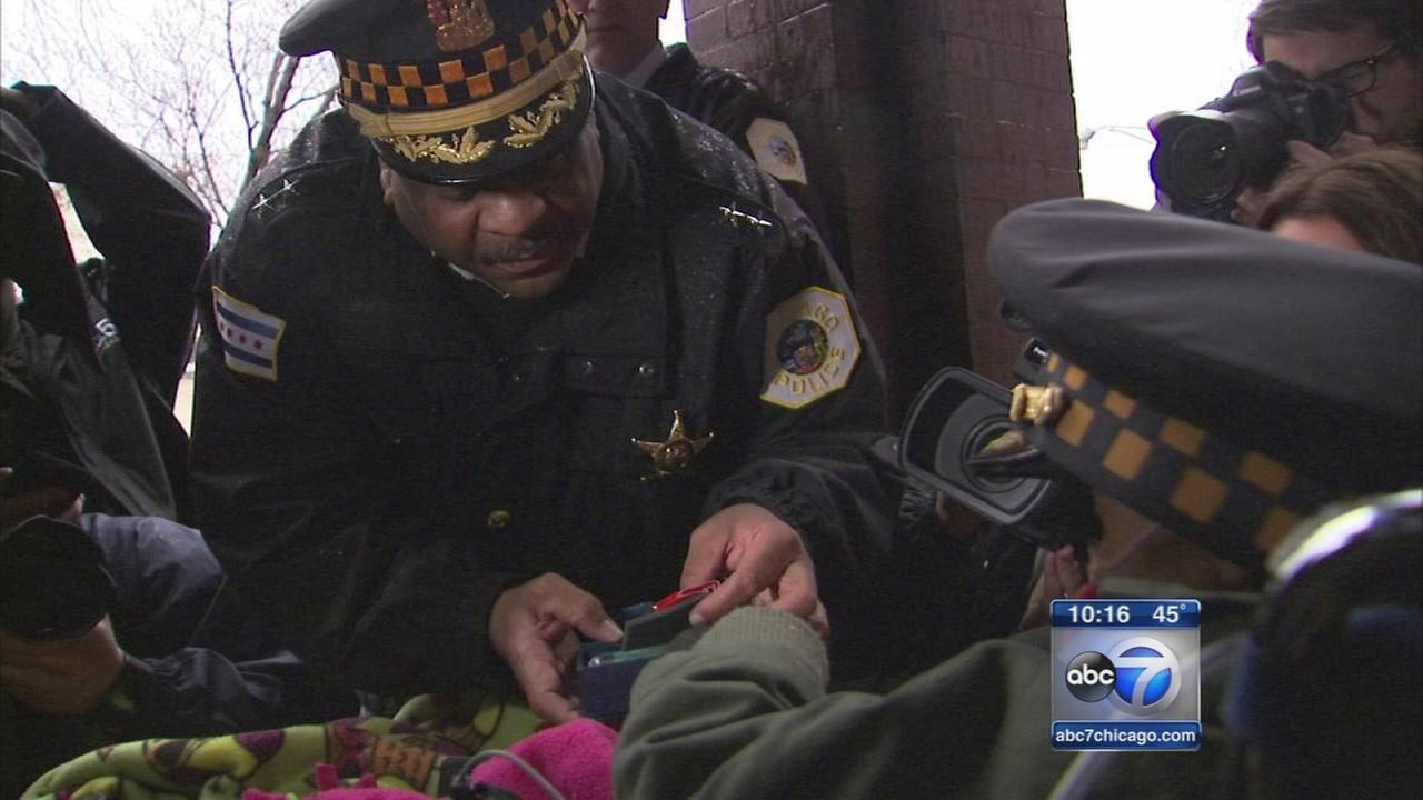 Chicago cops honors girls dying wish