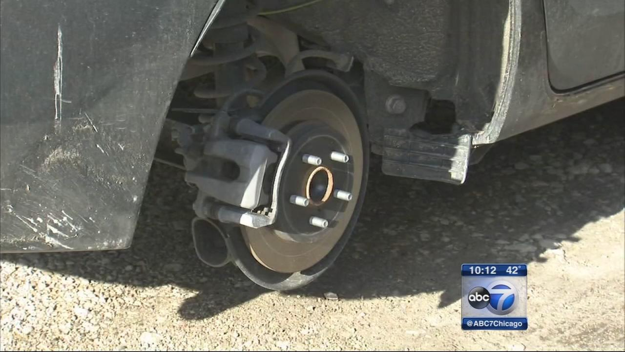 Albany Park residents say tires stolen off cars overnight