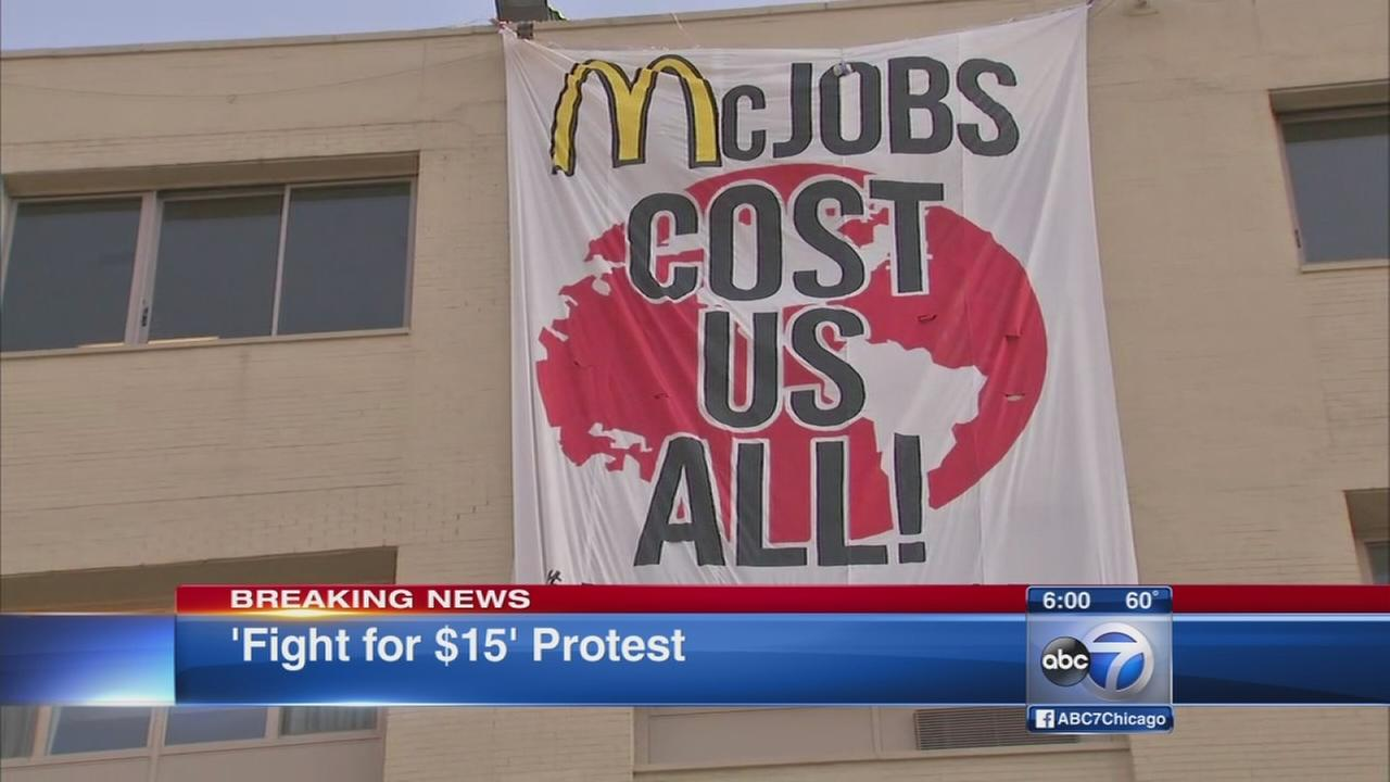 Fight for 15 protest converges at Rock n Roll McDonalds