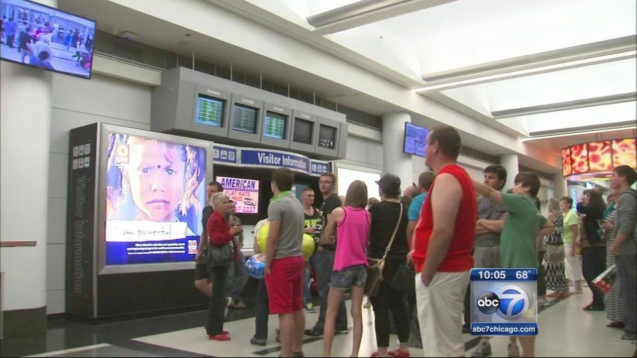 Storm delays flights, leaks into O?Hare terminal
