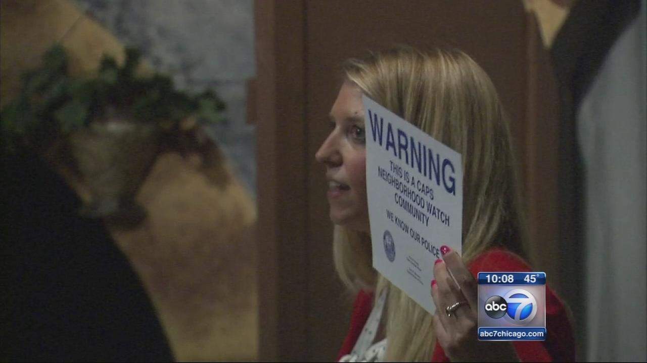 Lakeview residents hold community meeting on crime