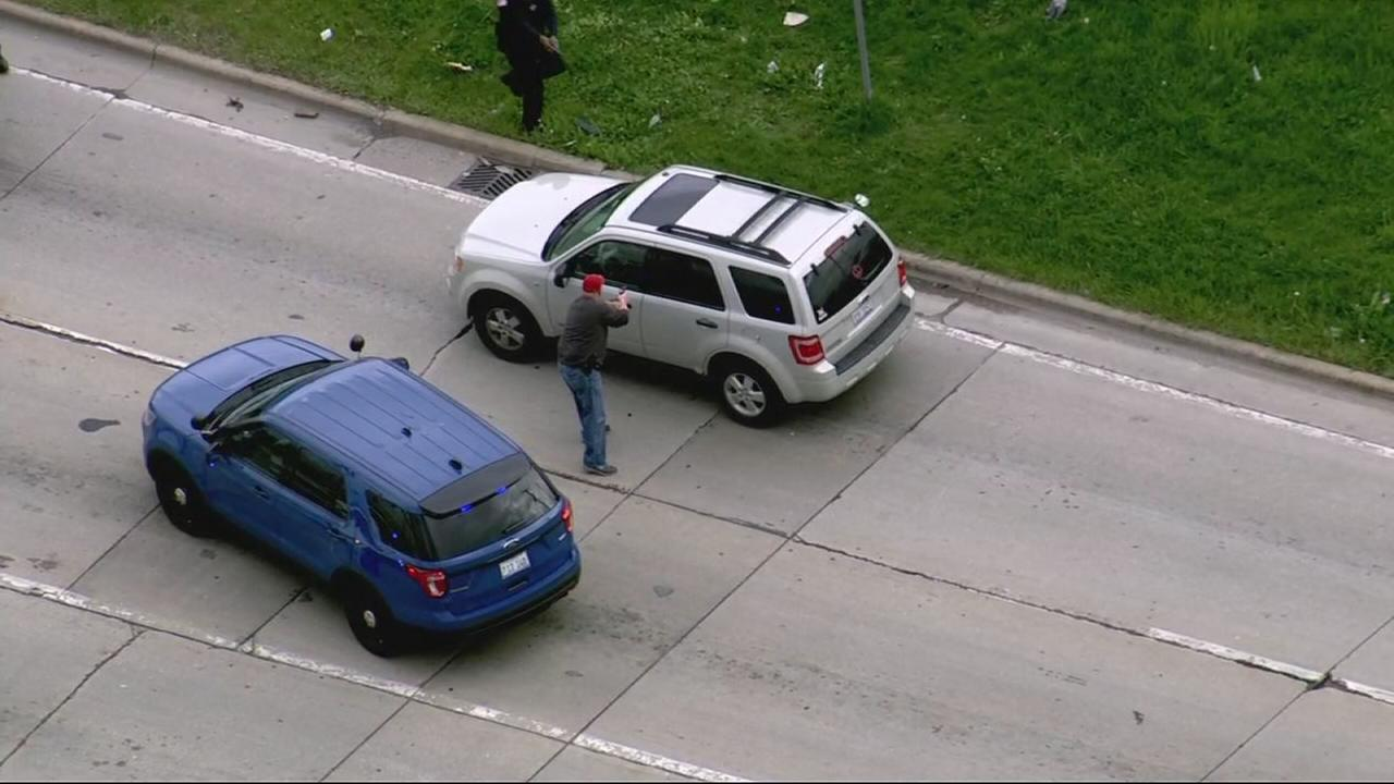 Police pursuit on Dan Ryan, I-57