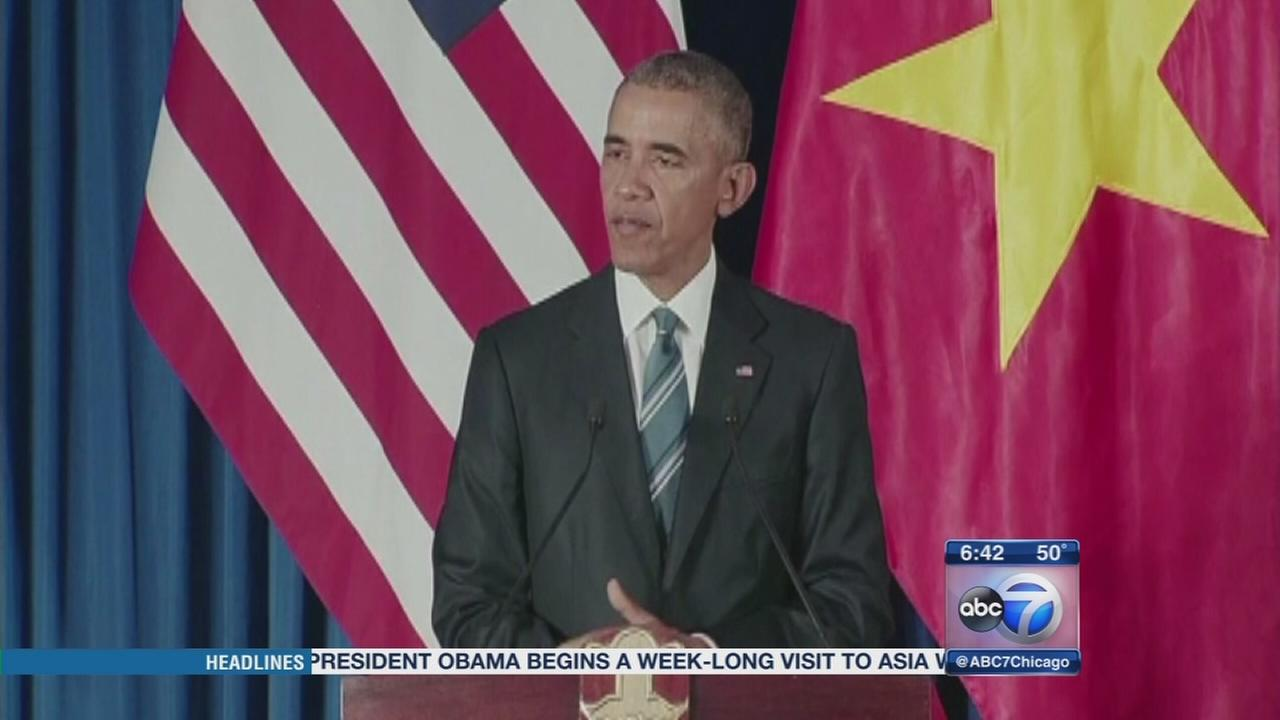 Obama lifts arms ban in Vietnam