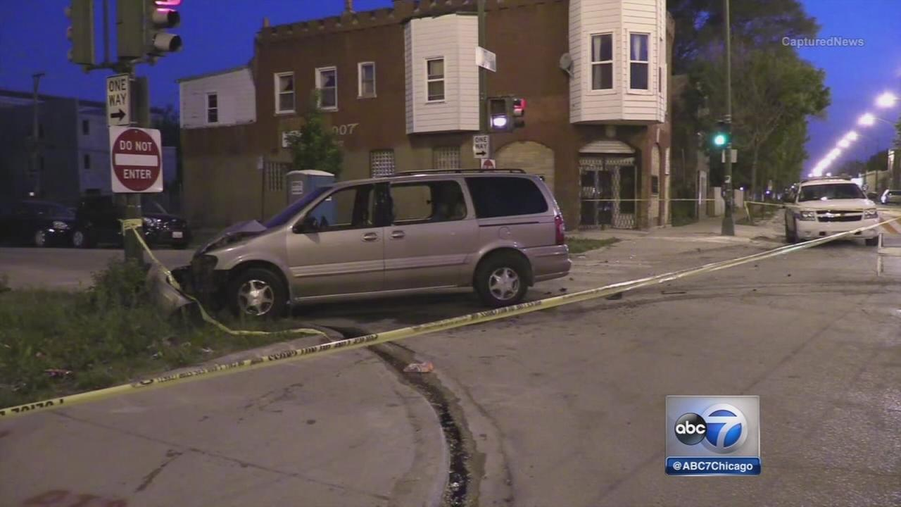 2 hurt after gunman open fire on van