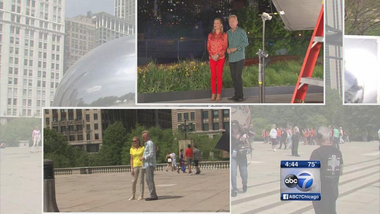 Pat Sajak, Vanna White visit Chicago