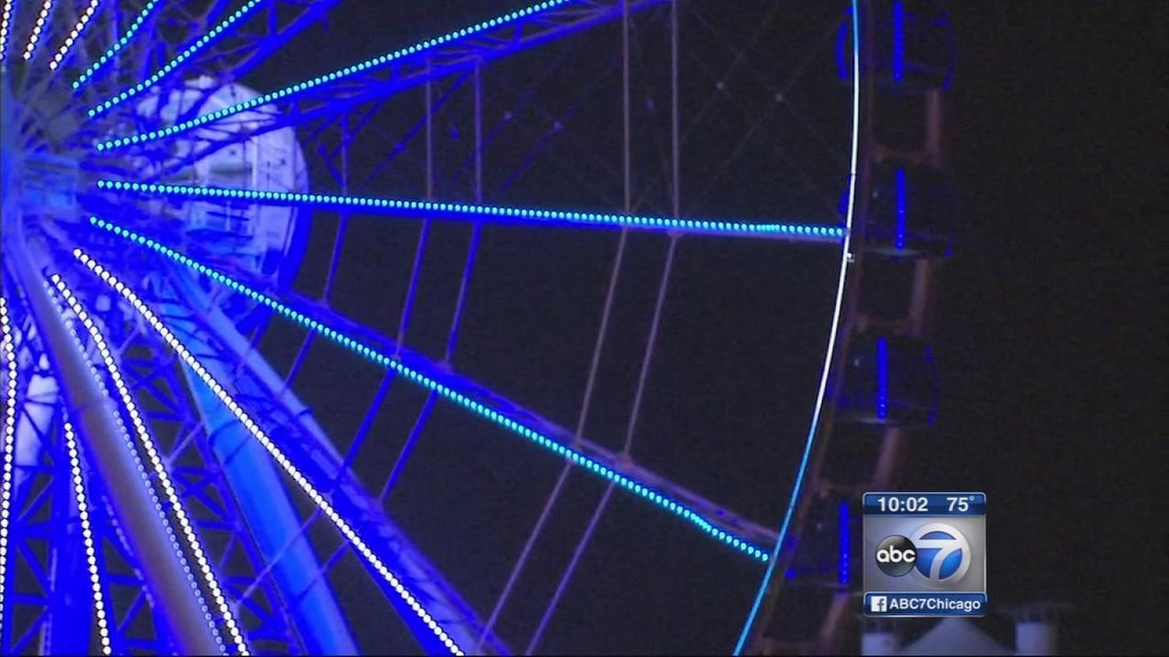 Riders stranded on Navy Pier Ferris wheel
