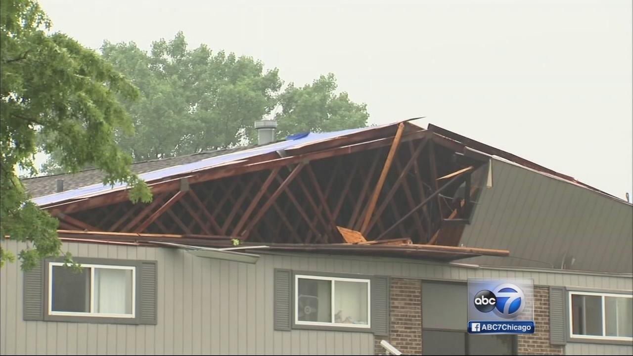 Chicago Weather: Willowbrook apartments lose roof in storms