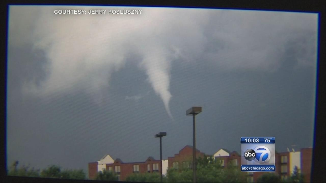 Funnel clouds, flooding reported in Chicago area