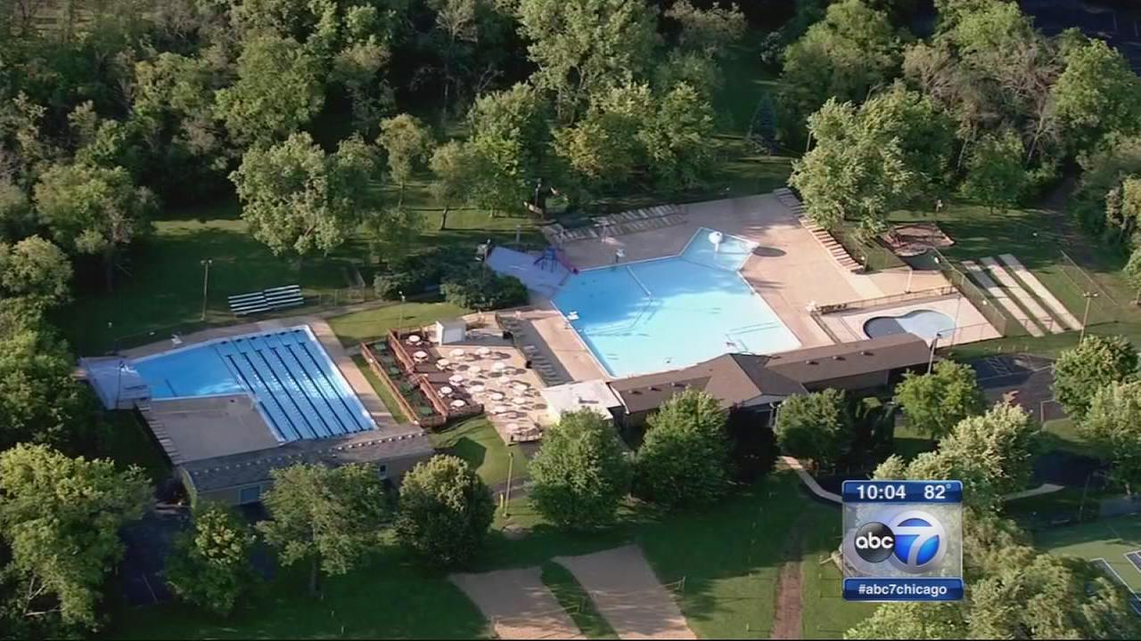 4-year-old girl drowns in Downers Grove pool