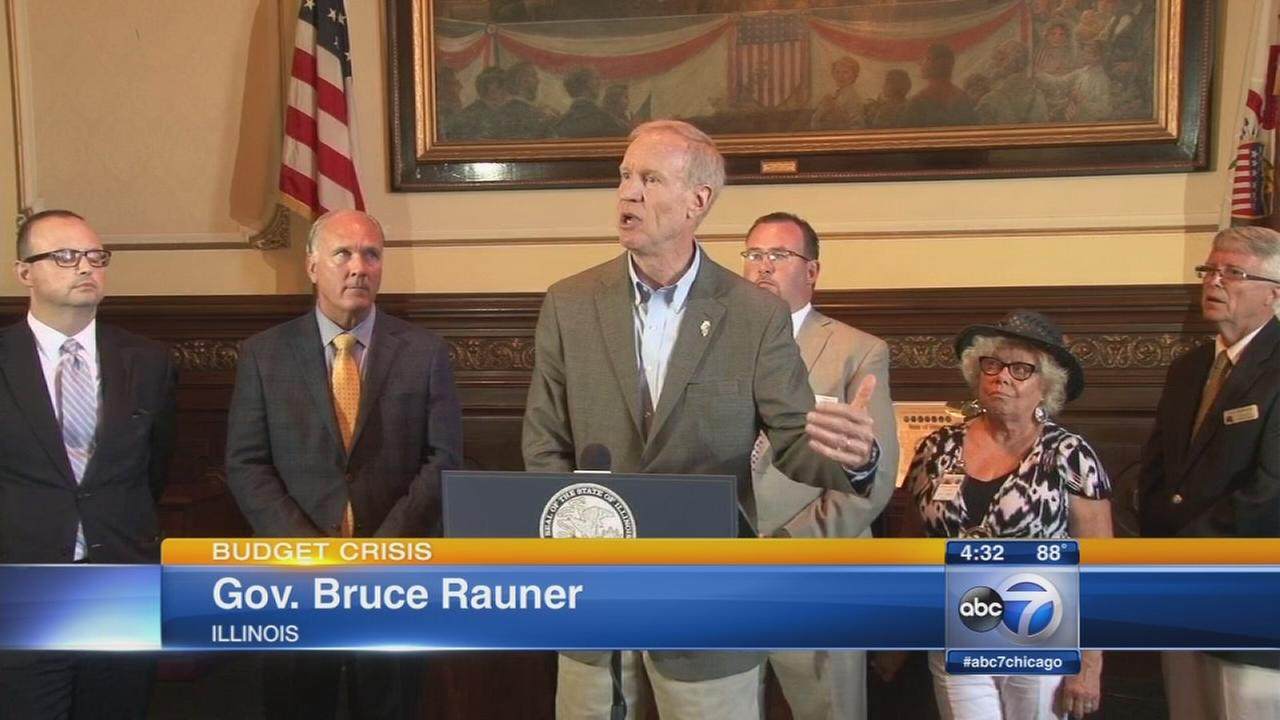 Rauner urges lawmakers to pass stopgap budget