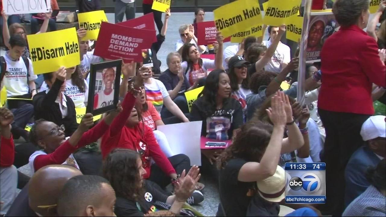 Gun violence rally held in downtown Chicago